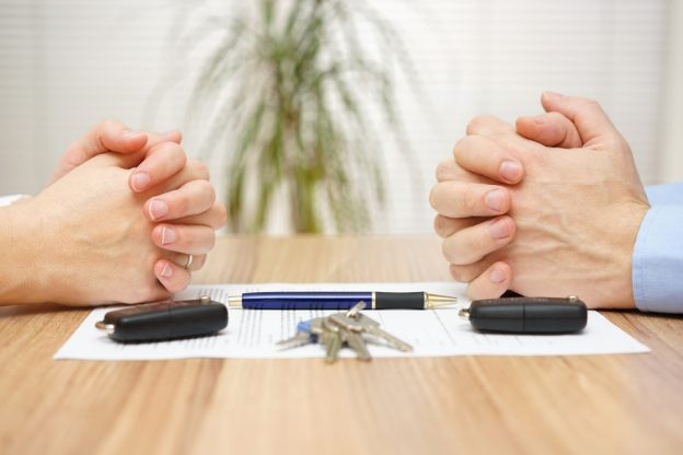 Divorce,Agreement.,Wife,And,Husband,Can,Not,Make,Settlement